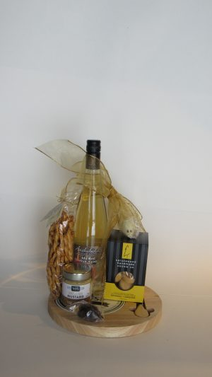 A Perfect Pairing Gift Basket